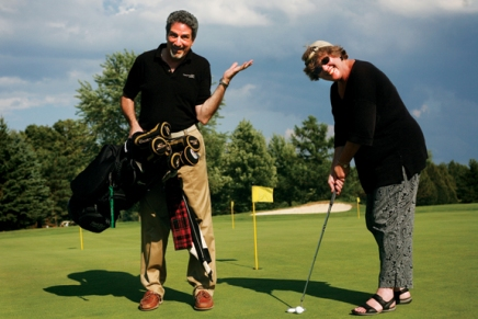 Opera Guild goes golfing  to support Opera Company