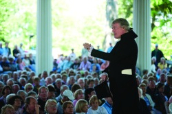 "Bill Barker, portraying Thomas Jefferson, speaks to the Hall of Philosophy audience Tuesday afternoon. Barker will appear with other character-interpreters in the Amphitheater at 8:15 p.m. as part of the program ""A Wolf by the Ear."" Photo by Ellie Haugsby."