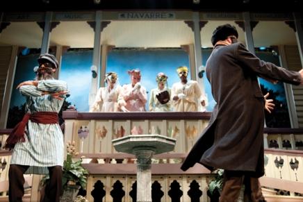 Bratton tours allow audiences to see Shakespearean CTC set upclose