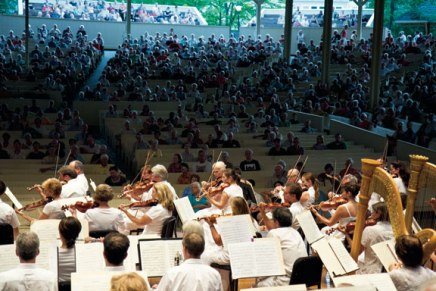 Ioannides to lead CSO, bandoneónist Trivisonno through cultural musicalsampling