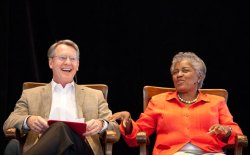 GOP pollster and strategist Whit Ayres and Democratic strategist Donna Brazile joined Jim Lehrer for the morning lecture program Tuesday in the Amphitheater. Photo by Michelle Kanaar.