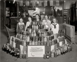 A tomato canning club from Vigo County, Indiana. Photo courtesy Gary Moore.
