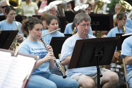 Community Band brings generations together for Chautauqua'sbirthday