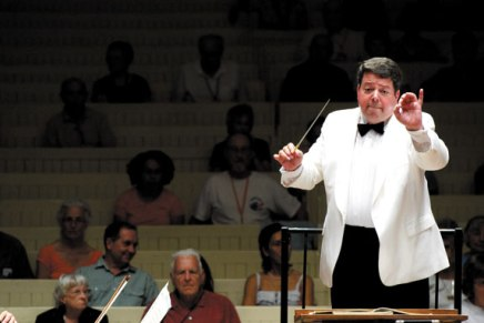 Guest violinist Meyers and 'Molly' join Litton, CSO for evening of Mendelssohn,Mahler