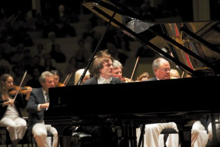 Trifonov 'terrifically exciting' in guest spot with CSO, Zur; Zemach receives dignified send-off