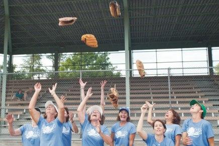 Moms take home third straight softballchampionship