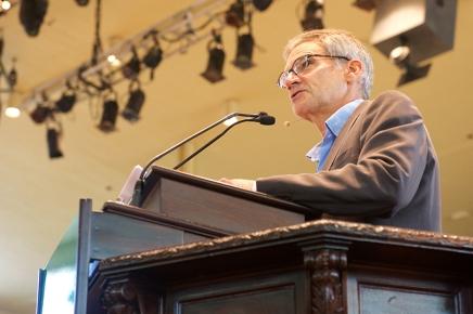 Krakauer discusses sexual assault on collegecampuses