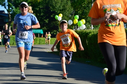 Runners and non-runners gather for Old First Nightrace