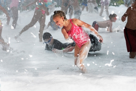 Slideshow: Foam-tastic day at the beach