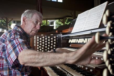 "Jacobsen resumes ""dream job"" today with Tallman Tracker Organconcert"