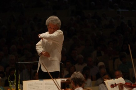 A real riot: Segal returns to conduct CSO in Stravinsky's 'Rite'; Pegis readies Dvorák's 'masterful' celloconcerto