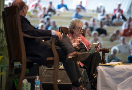 Atwood, Rosenblatt banter over poetry and prose