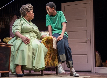 Review: 'A Raisin in the Sun' delivers emotional bruises and glancing blows
