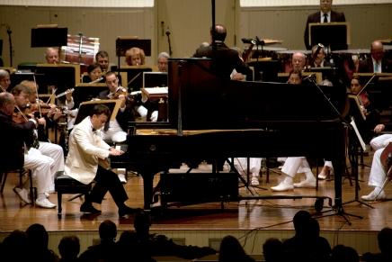 Minczuk, CSO deliver affecting interpretation ofShostakovich