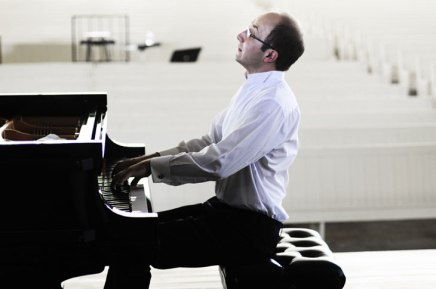Renowned pianist Gavrylyuk to take Amp stage twice in coming days