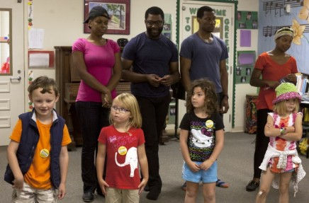 Theater company plays off kids' imaginations at Children's School