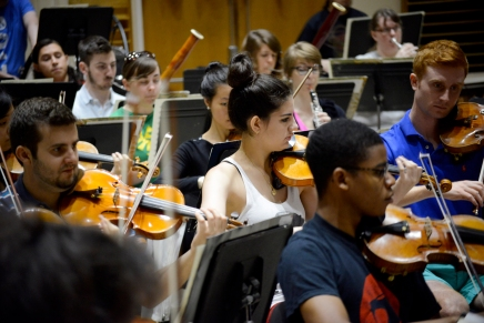 School of Music welcomes students, heralds 2015 season
