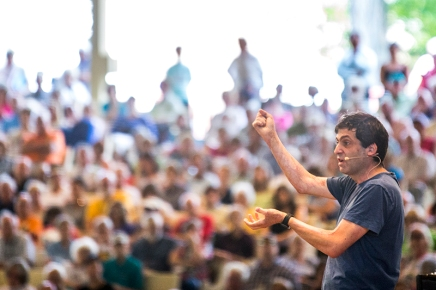 Ariely talks irrationality in decision-making and how to combat it