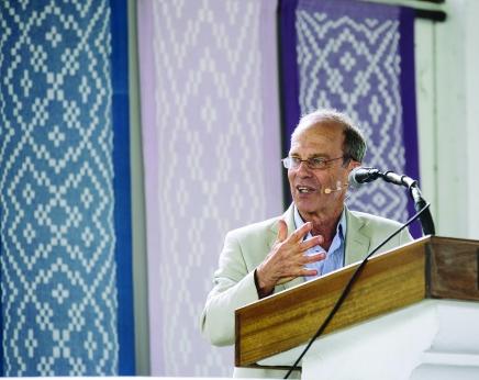 Saperstein discusses different Jewish views onafterlife
