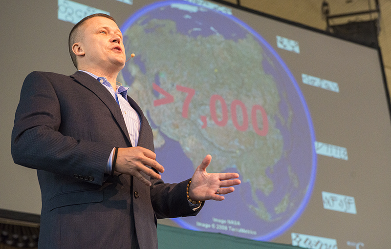 K. David Harrison, associate professor of linguistics at Swarthmore College, says scientists estimate there to be more than seven thousand languages in the world during the morning lecture Monday. (Joshua Boucher | Staff Photographer)