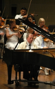 Pianist Horacio Gutiérrez performs with the Chautauqua Symphony Orchestra in 2008. (Abigail Fisher | File Photo)