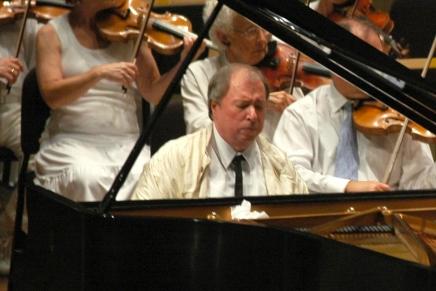 Gutiérrez, CSO reunite for Beethoven's 'greatestconcerto'