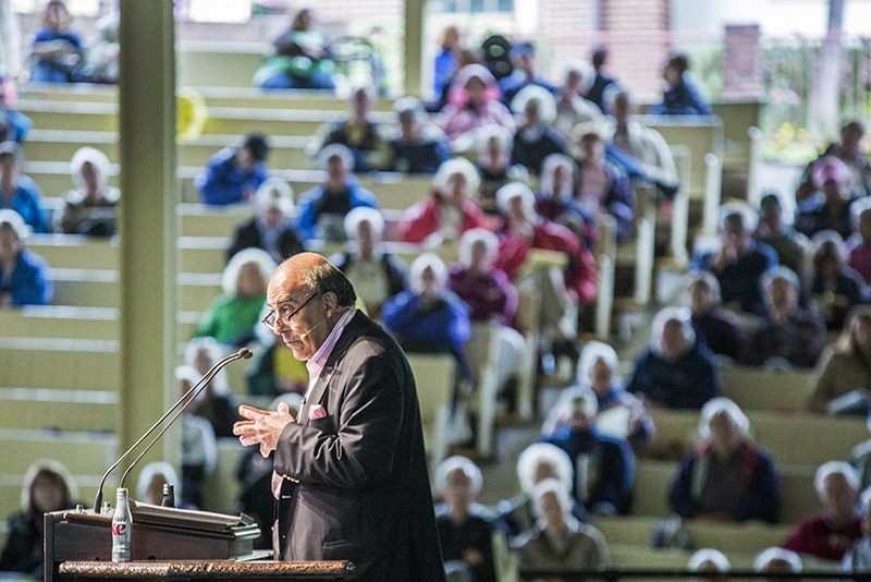 Muhtar Kent, chairman and chief executive officer of the Coca-Cola Company, speaks about the company's work supporting communities around the world during his morning lecture Wednesday in the Amphitheater. (Saalik Khan | Staff Photographer)